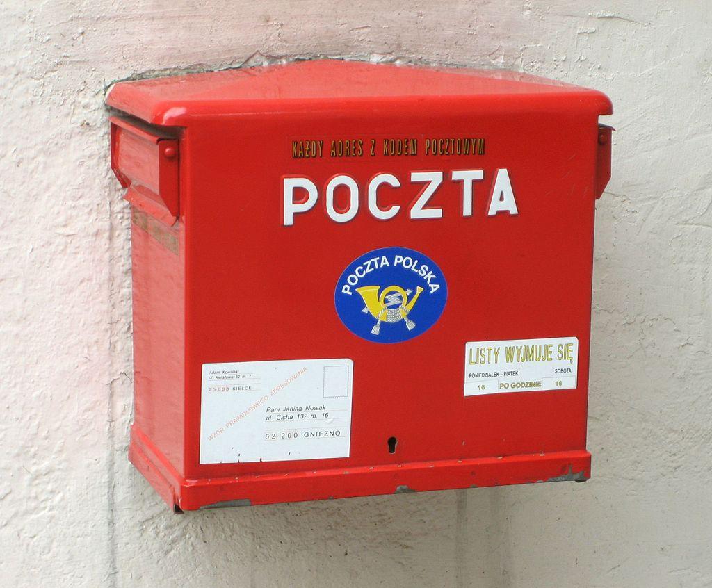 1024px-Poczta_Polska_Mailbox