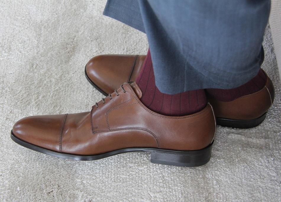 78b9bb03 Kolejne buty to model bliźniaczy do poprzedniego – marki Roberto Morelli,  tyle tylko, że w kolorze czarnym. Zestawiłem je z dwurzędowym garniturem z  Bytomia ...