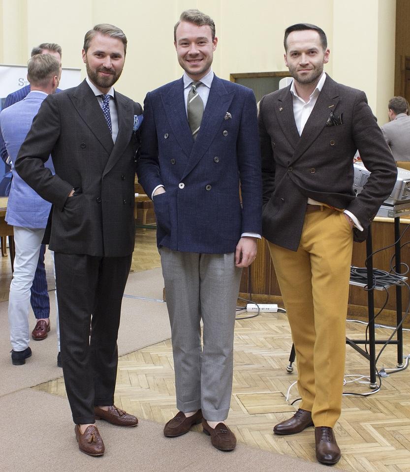 16472c3128c9c Zdecydowałem, że najodpowiedniejsze będą zdjęcie dobrze ubranych panów.  Sięgnąłem więc do archiwum Warszawy pod krawatem; poniżej wybór zdjęć z  kilku ...