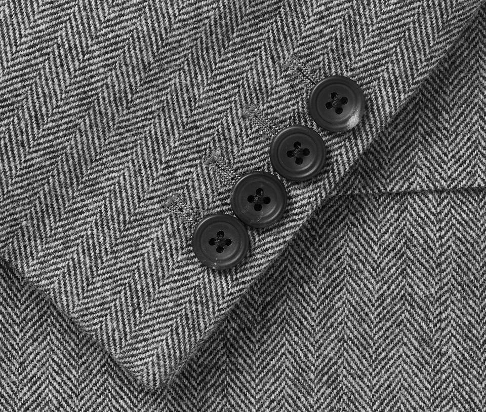 szary garnitur
